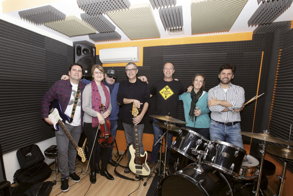 The Quarantines, versiones musicales para todos